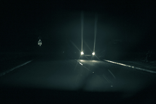 Headlights-in-the-dark.jpg